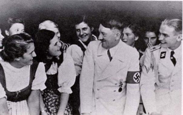 Hitler121