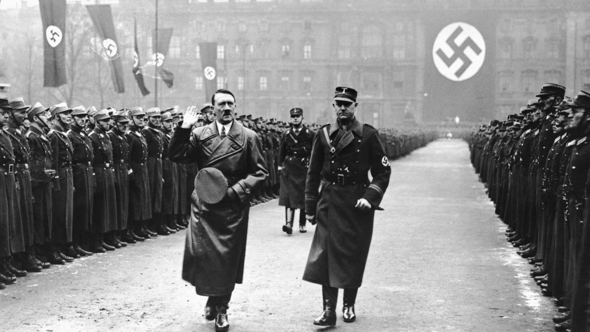 Hitler124